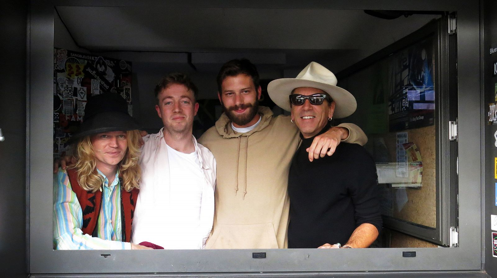 https://www.mixcloud.com/NTSRadio/mount-kimbie-william-basinski-connan-mockasin-15th-september-2015/ Episode Image